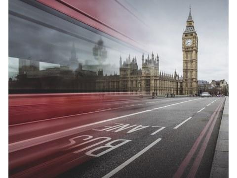 Tower Bridge und Bus in London
