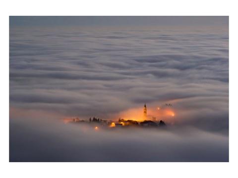 Wolken Stadt Bild
