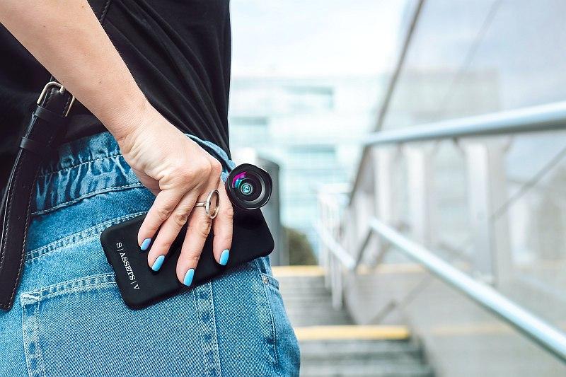 Handy Kamera mit Aufsteckobjektiv