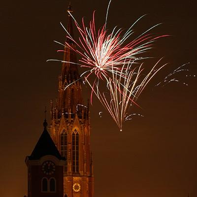 Kirche Feuerwerk perfekt