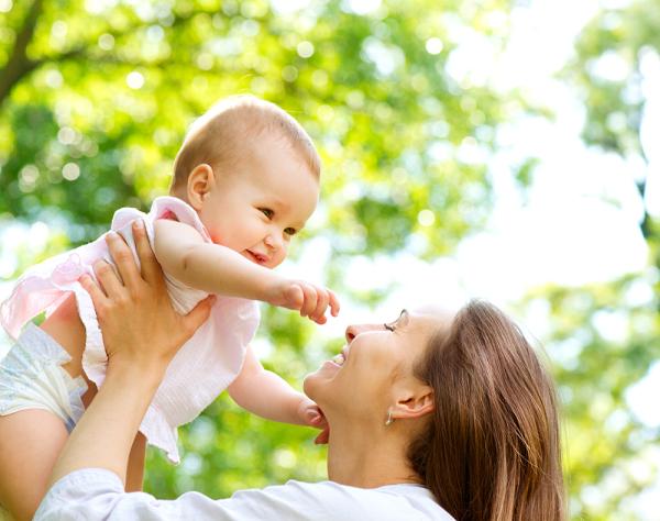Frau mit Kind Bokeh Effekt Foto