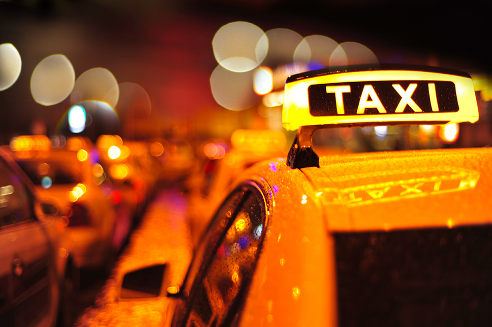 Taxi in Dämmerung Bokeh Foto