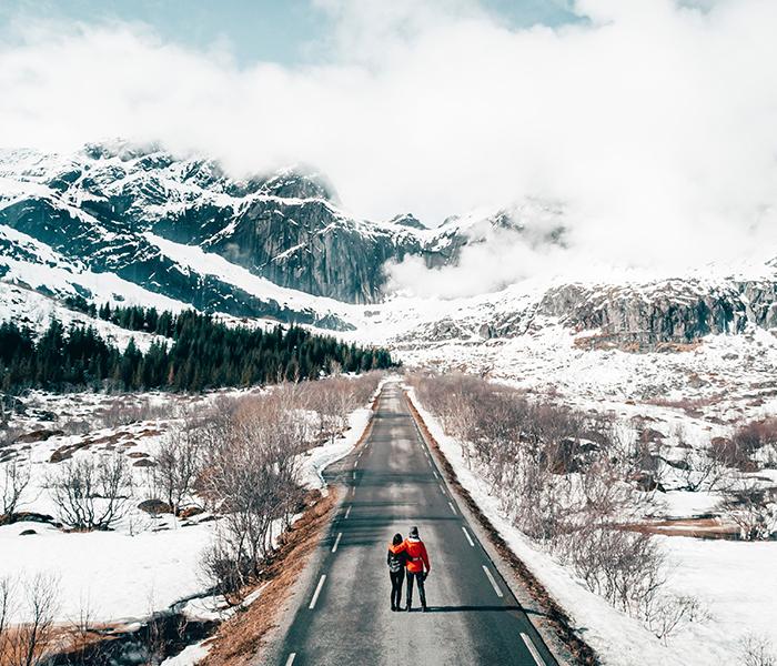 Pärchenfotografie in Winterlandschaft