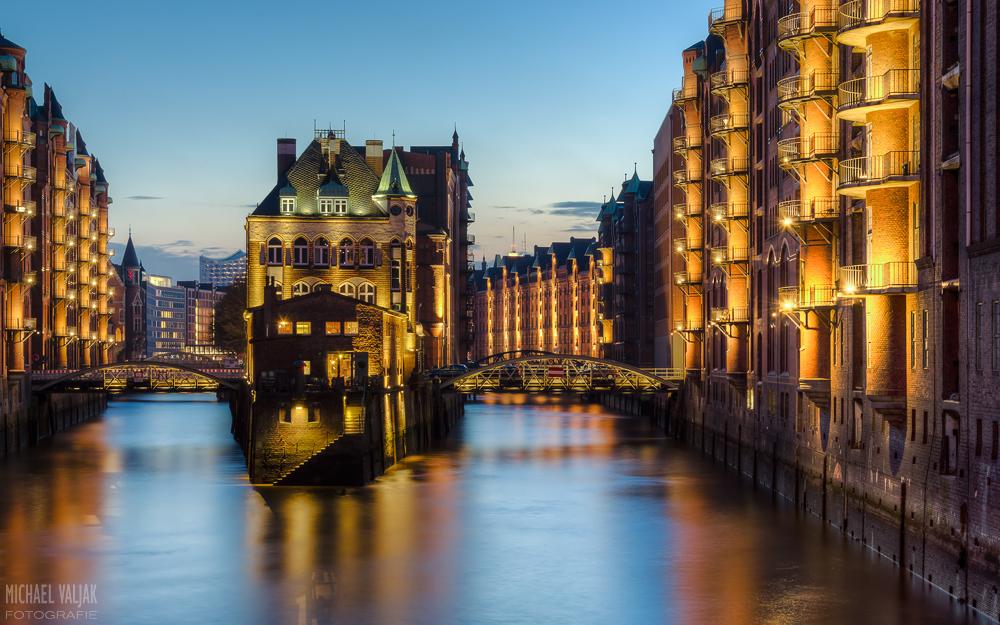 HDR-Bild des Wasserschlosses in der Hamburger Speicherstadt