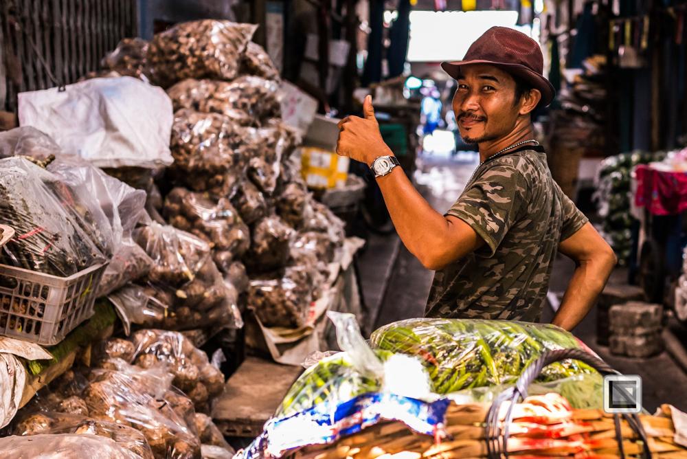 Bangkok, Thailand, Mann auf Markt, bunt