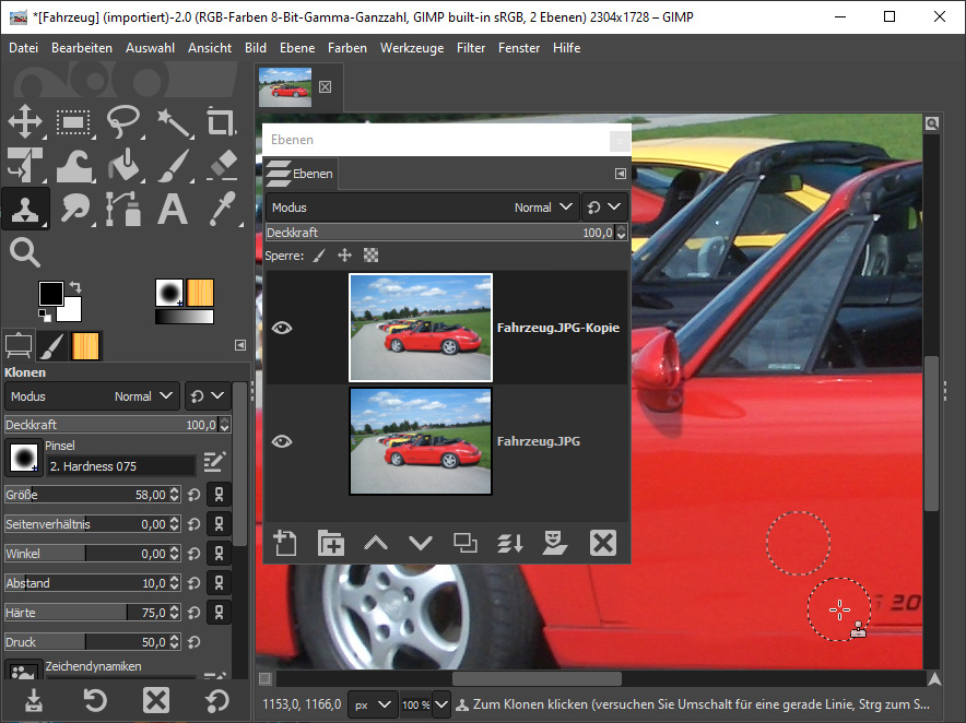 Mit dem Bildbearbeitungsprogramm Gimp Webrung auf dem Auto retuschieren