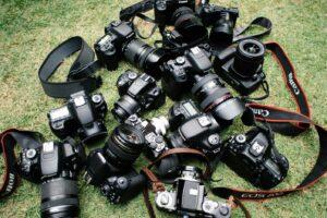 Artikel Hochzeitsfotografie - ein Haufen Kameras