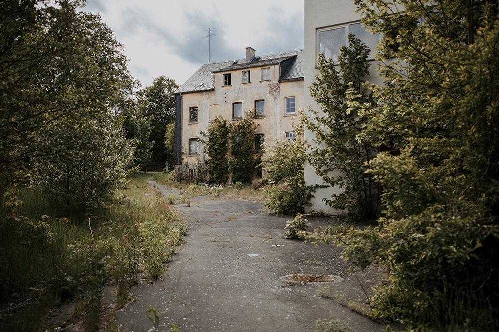 Urbex: Verlassene Porzellanfabrik in Nordbayern