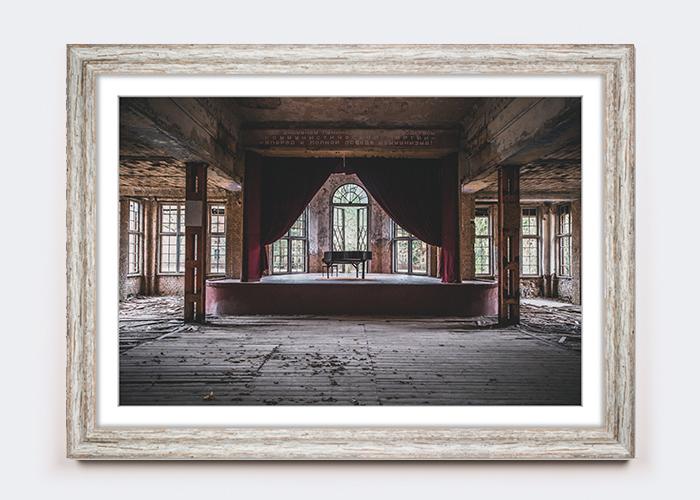 Lost Place im Vintage-Rahmen